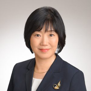 Ichikawa Naoko (Executive Officer and CMO at Mitsubishi Chemical Holdings Corporation)